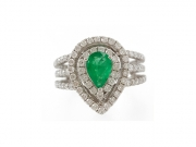 14K Pear Shaped Emerald Ring with Diamond Halo 2