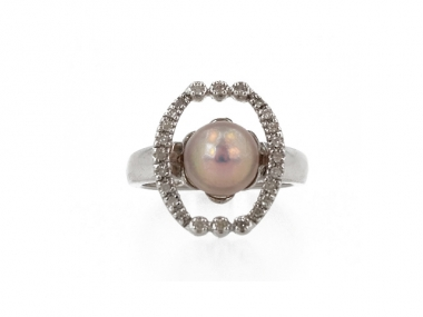 14K Concho Pearl Ring With Large Cushion Halo 1